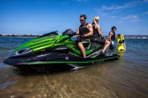 2015 Kawasaki_Jet Ski_Ultra 310LX_action_2.med