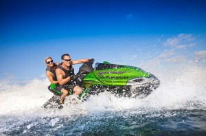 2015 Kawasaki_Jet Ski_Ultra 310LX_action_4.med