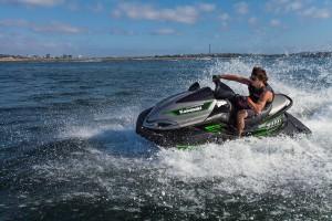2015 Kawasaki_Jet Ski_Ultra 310X_action_1.high