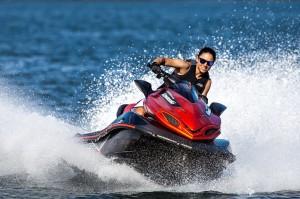 2015_Kawasaki_Jet_Ski_Ultra_310X_SE_action_4.med[1]